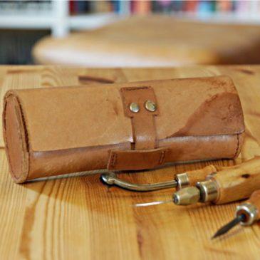 Erstes Experiment: Leder-Werkzeugtasche