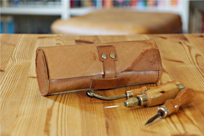 Tasche für Lederwerkzeug. (C.B.)