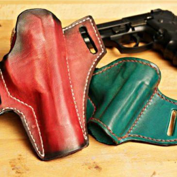 Zwei Holster aus Leder für die Beretta 92 FS (Airsoft Pistole)