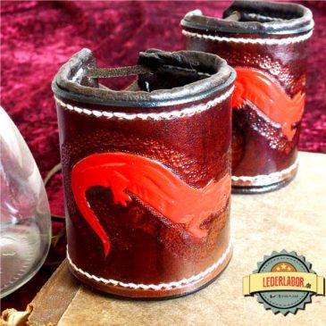 Alchimie und rote Salamander – ein handgefertigtes Lederarmband