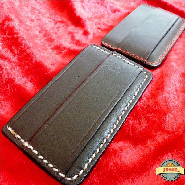 Minimalist Wallet aus Rindsleder mit Phex Motiv.