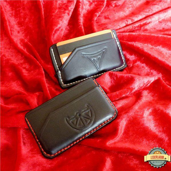 Boron und Phexmotiv auf zwei Minimalist Wallets.