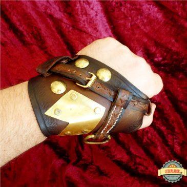 Steampunk Handschutz aus Leder mit Messingteilen