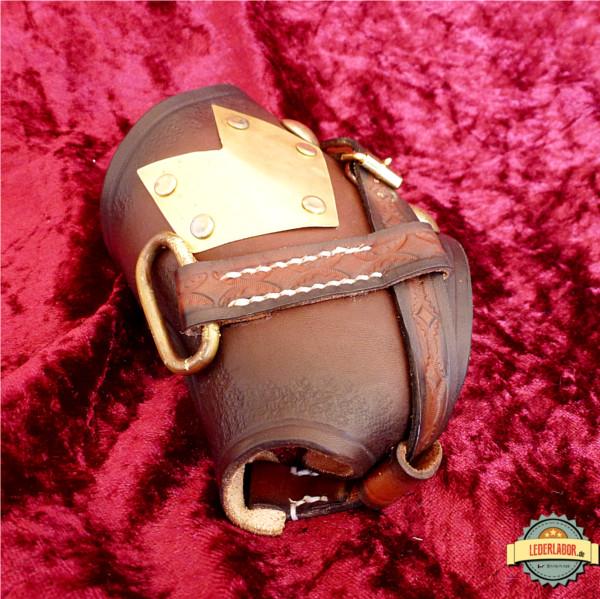 Seitenansicht auf den Steampunk Handschutz.