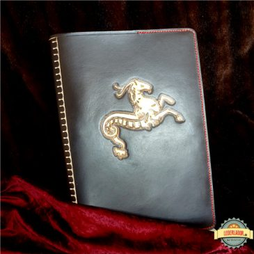 Ledercover für den Stammtisch Circinus Caprae Carbonis (Deutsche Lovecraft Gesellschaft)